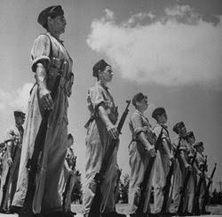 Ebrei reclutati dal Reggimento Palestinese, fondato nel 1943. Prese parte a numerosi combattimenti in Italia e Nord Africa. Era composto sia da ebrei che da arabi.