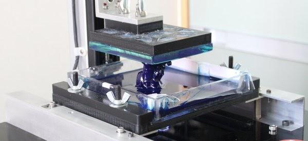 une imprimante 3d haute r solution faite maison tech 39 actu. Black Bedroom Furniture Sets. Home Design Ideas