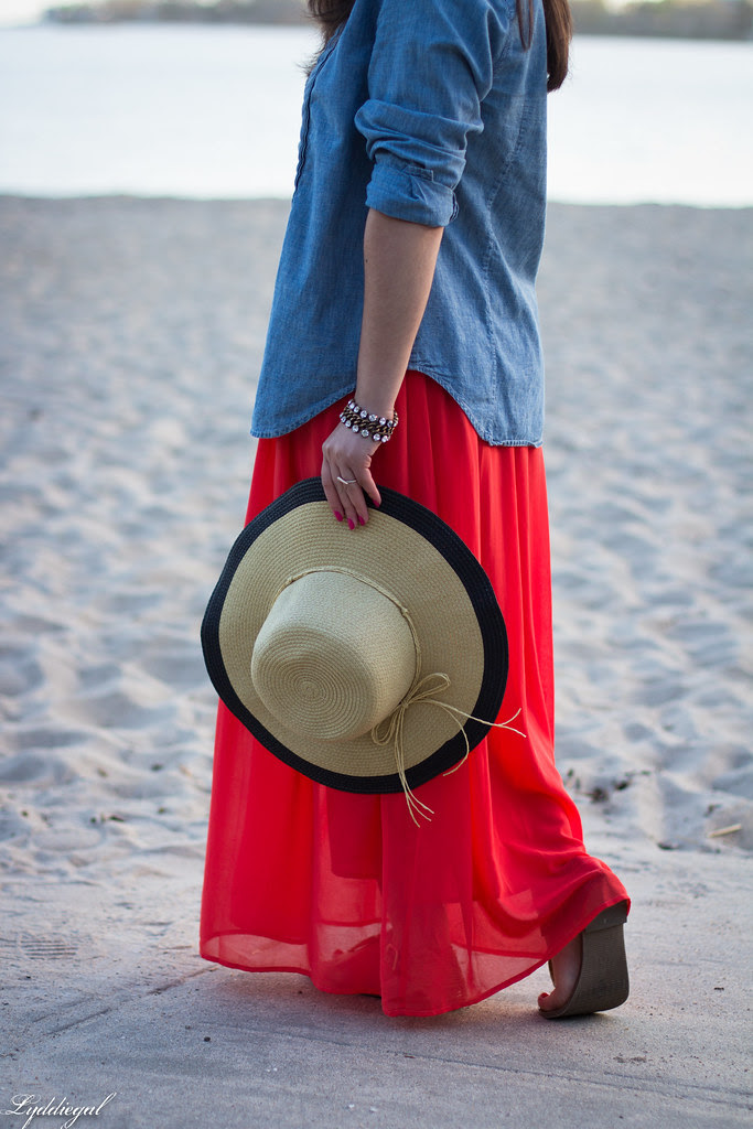 the floppy hat-7.jpg