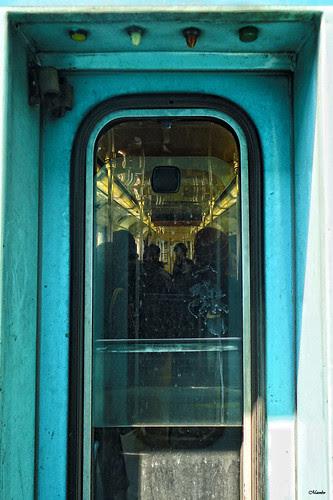 En algún momento, metro de Santiago. by Alejandro Bonilla