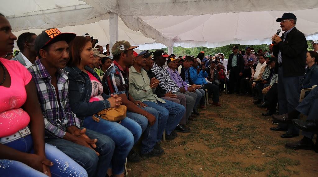 El Presidente anuncia reforestación  cuencas de la presaSabana Yegua