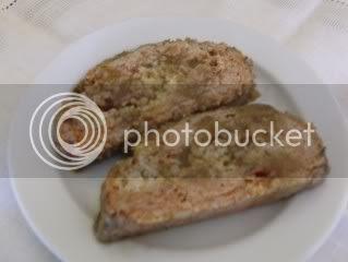 Rolo de carne com maçã e amêndoas