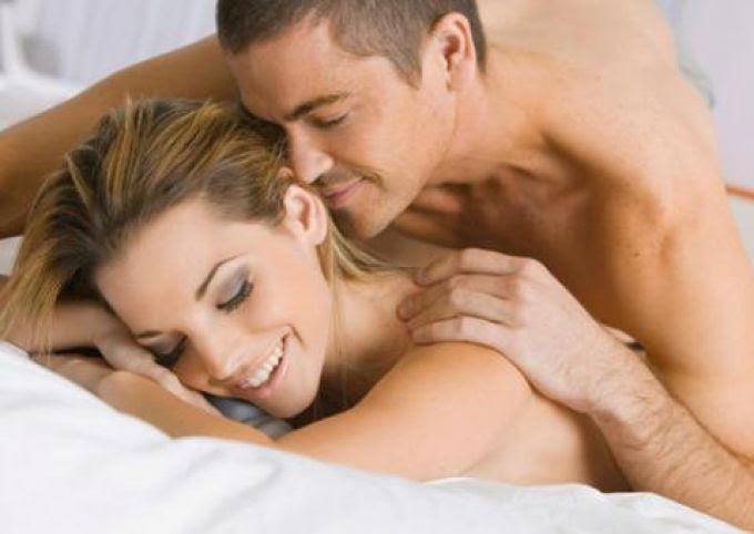 Resultado de imagem para romance na cama