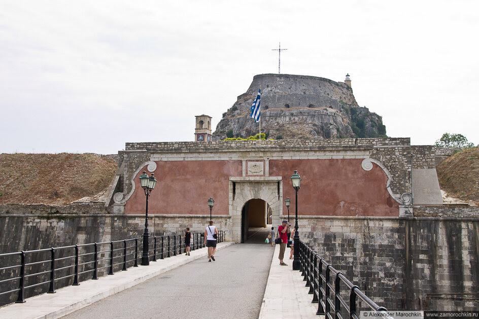 Вход в старую крепость Керкиры
