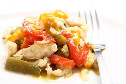 Αποτέλεσμα εικόνας για Κοτόπουλο με πιπεριές και γιαούρτι