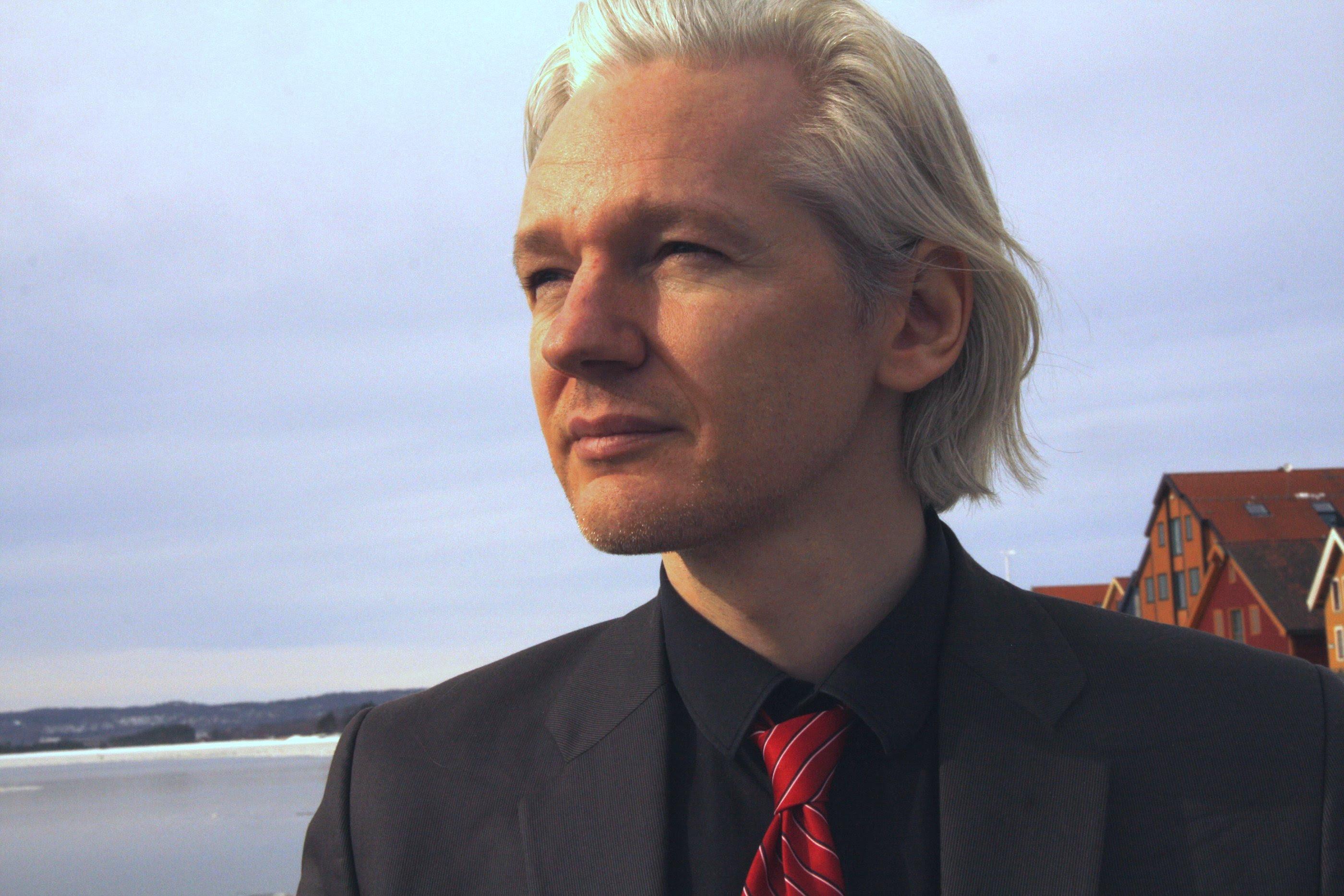 Image: Did an assassin try to kill Wikileaks founder Julian Assange?