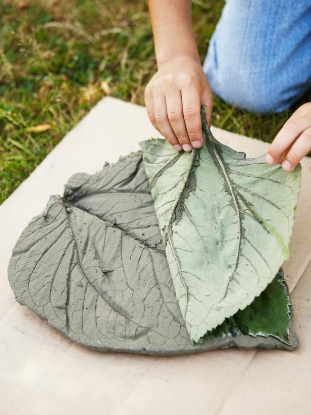Concrete leaf steppingstone, with step by step instructions.