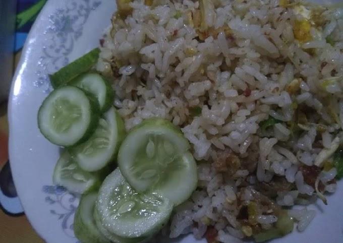 Cara Mudah Mempersiapkan Nasi goreng pedas,gurih,manis, Anti Gagal