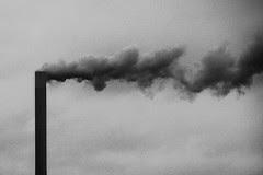il fumo saliva lento