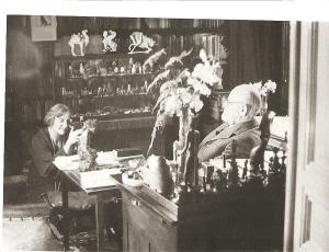 Μαρία Βοναπάρτη και Ζίγκμπουντ Φρόϊντ στο σπίτι της Βιέννης