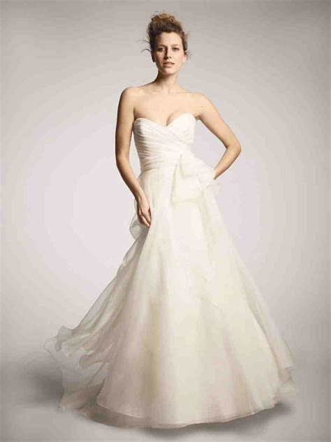 Nordstrom Wedding Dresses Perfect for a Bride on a Budget