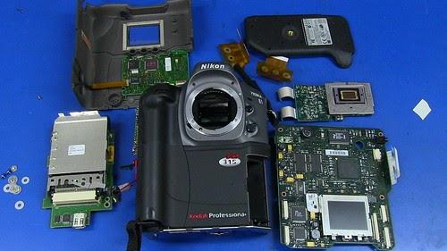 Inside World's First DSLR Camera: Kodak DCS315 Teardown