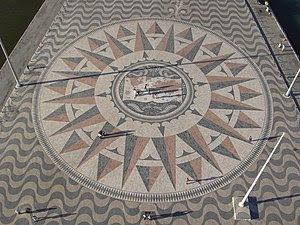 English: Wind rose in front of the Monument to...