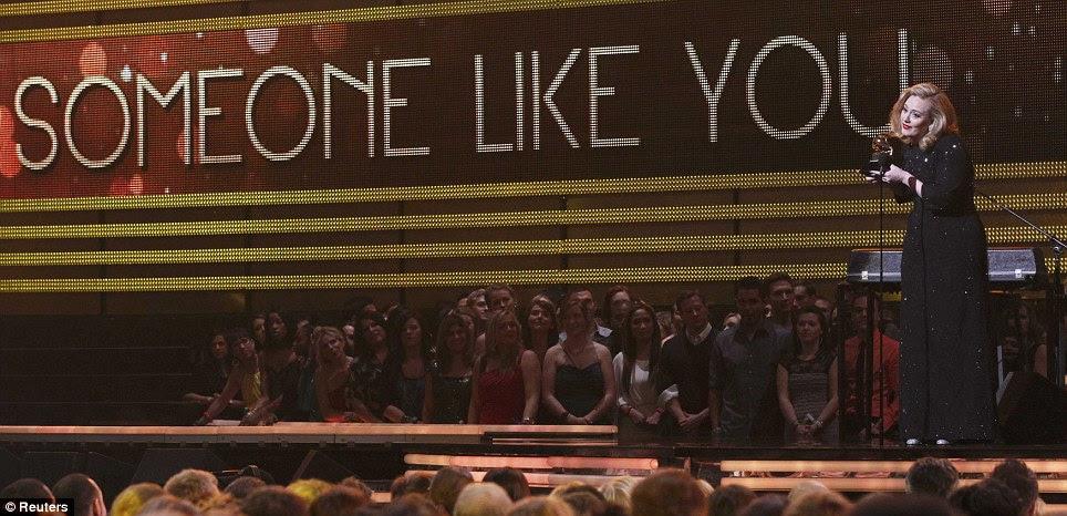 Vencedor: As embreagens londrino sua Grammy na noite de seu retorno muito esperado para o cenário mundial