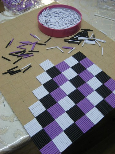 Quilled checkerboard base
