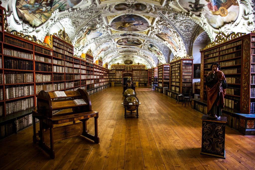 A mais bela biblioteca do mundo fica em Praga 06