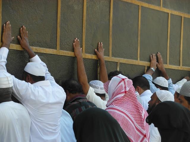 Makkah-1434-Arafat-Day-new-Kiswa3