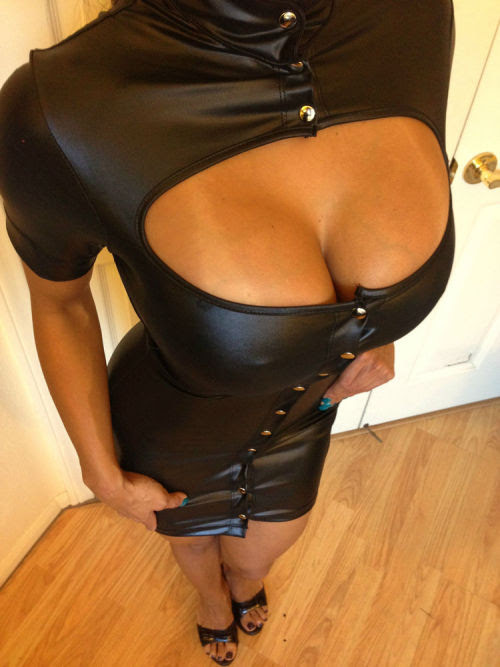 notonmyclothes:  sexyinleather:    Sexy Bodycon Clubwear Cap Sleeved Wet Leather Mini Dress Button Front Small   ebay  Wow fab dress, but looks in danger of popping, risky
