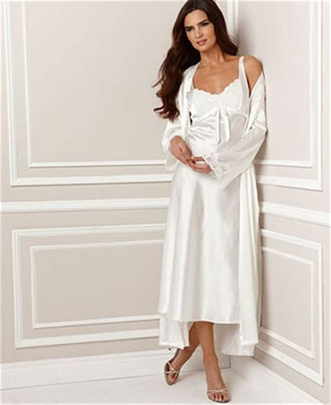 Jones New York Robe and Gown, Luxurious Lace Bridal