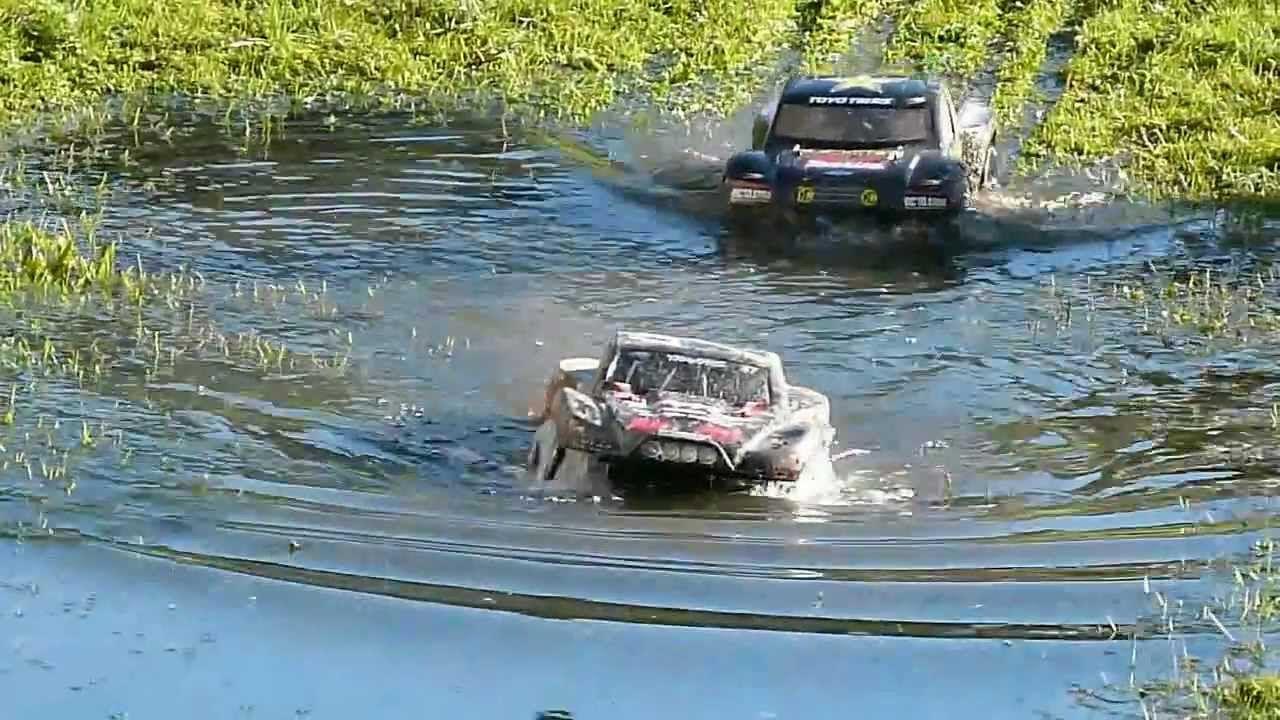 Rc Traxxas Slash 4x4 Jammin Scrt10 Bashing Racing Jumping Fun Youtube