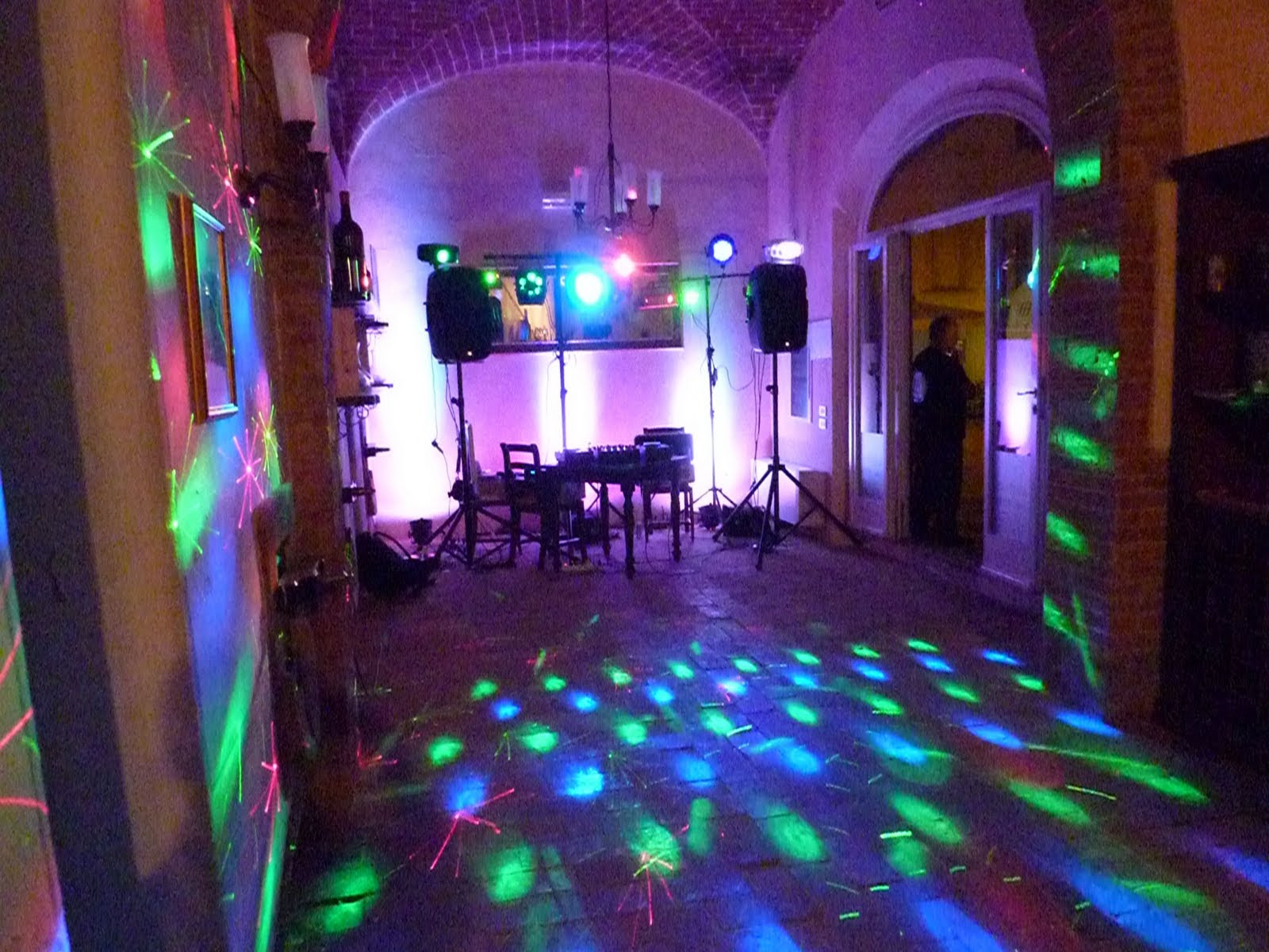 wedding dj Firenze   Mobile dj and Mobile Disco for your party in
