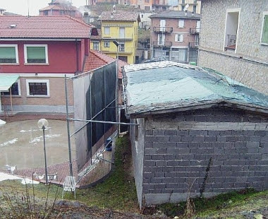 «Via quel tetto di amianto»