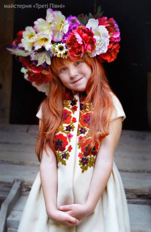 Mulheres modernas usando coroas tradicionais ucranianas dão um novo significado a uma antiga tradição 22