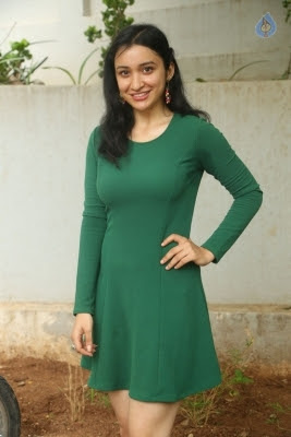 Sakshi Kakkar New Photos - 6 of 26