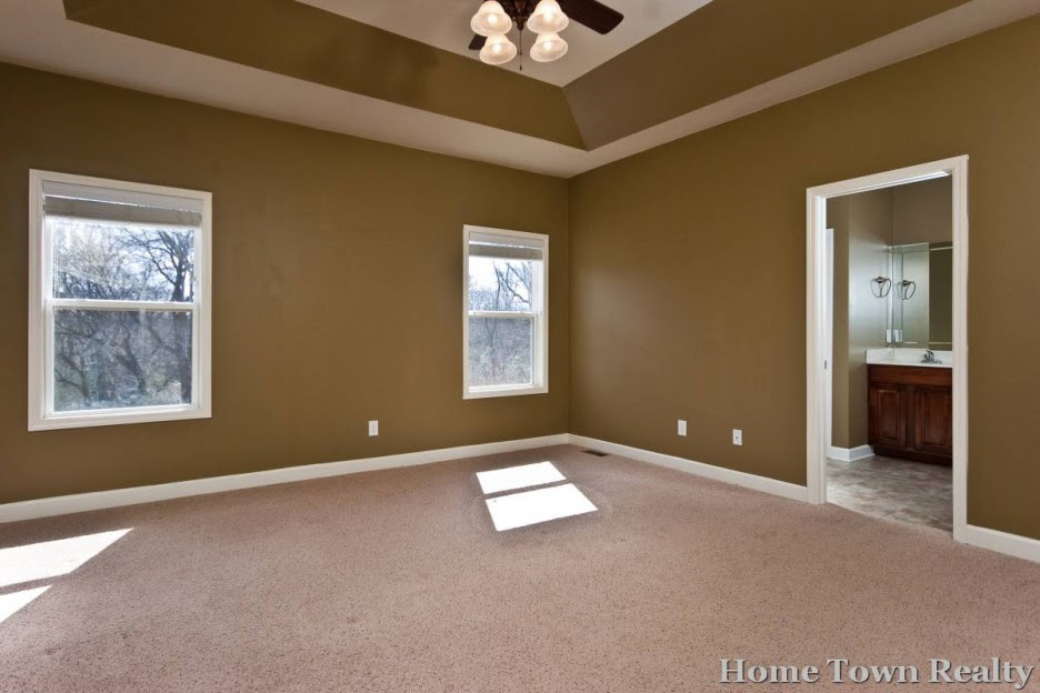 Bedroom: Great Brown White Spacious Master Bedroom Paint Colors ...
