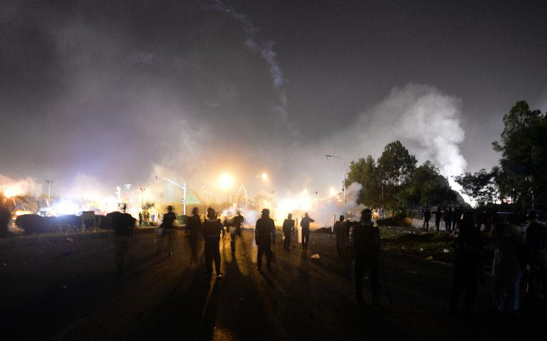 230 injured as police clash with protesters in Islamabad