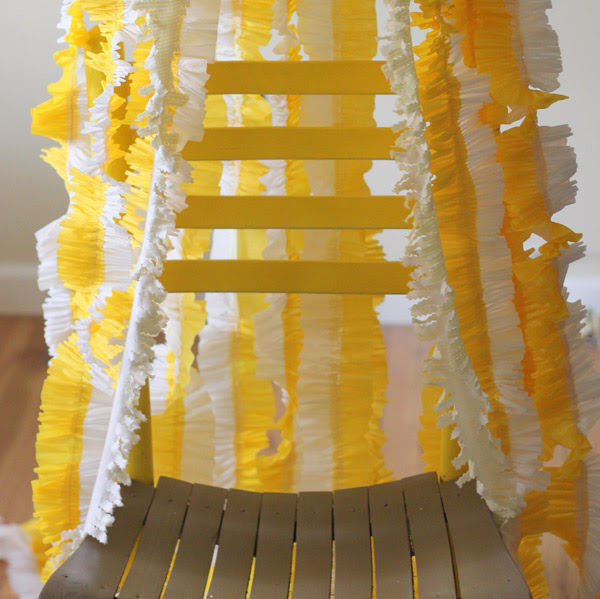 ruffled-crepe-paper-streamers