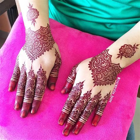 Malay wedding henna/mahendi. Simple bridal mahendi   He