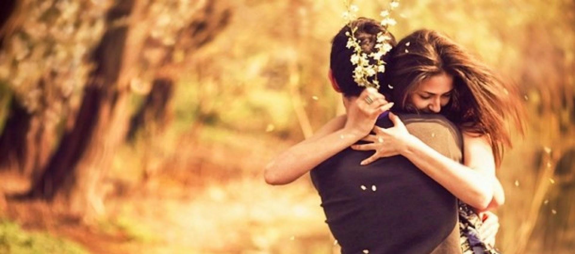 http://felizesparasempretrespontinhos.com/wp-content/uploads/2015/09/cropped-sintomas-le-me-ama-semprebella-casal-apaixonado-e1410549352262.jpg