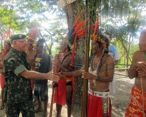 exercito_especial_general_indios_para_300 (Foto: Tahiane Stochero/G1)