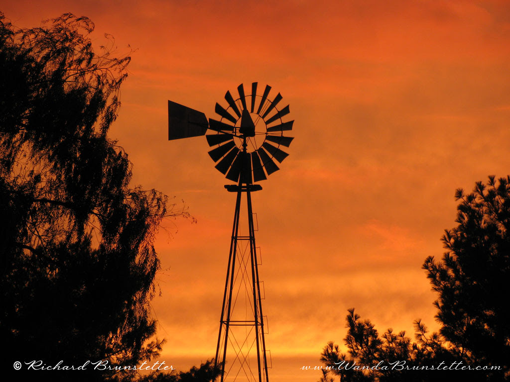 SunsetinAmishCountryWindmill1024x768