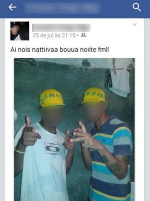 Preso por roubo (à esquerda), posta fotos com outro detento de cadeia em Cuiabá (MT))  (Foto: G1 MT)