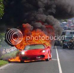 Ferrari F430 pega fogo