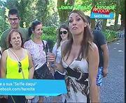 Joana Teles com um decote sensual na Rtp