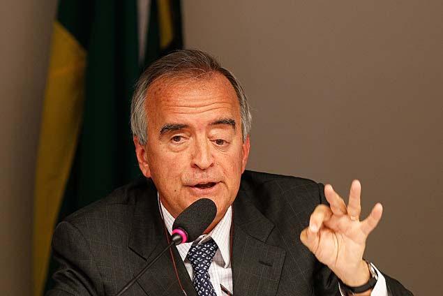 O ex-diretor da Petrobras Nestor Cerveró fala na em comissão da Câmara em abril de 2014