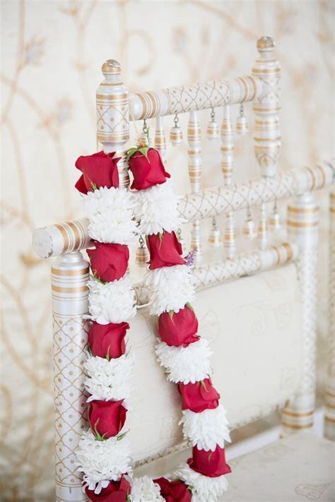 21 best Indian Wedding Garlands   Floral Garlands   Jai