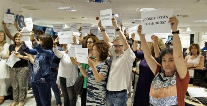 Los trabajadores de TVE exigen que se reproduzcan los audios del ministro del Interior Jorge Fernández Díaz, sacados a la luz por Público.