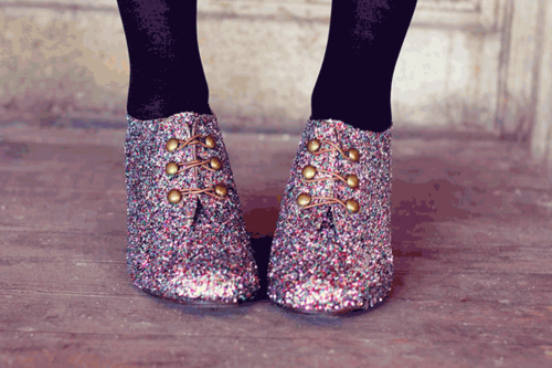 Diy-glitter-shoes-beastrainer_large