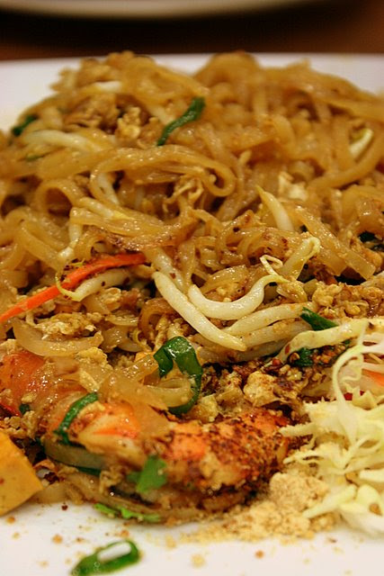 Pad thai mixed