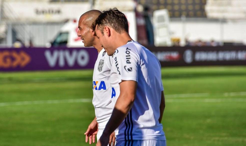 Emerson Sheik e Renato Cajá buscam o ritmo ideal para ajudar a Ponte no Brasileiro  (Foto: Fabio Leoni/ PontePress)