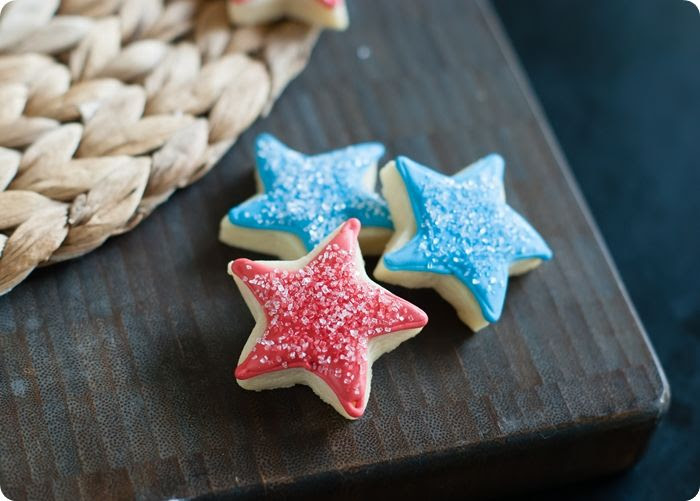M&Ms Inside-Patriotic Star Cookies #4thofjuly #patriotic