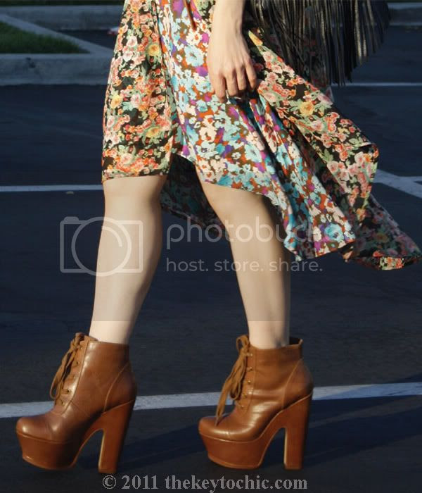 Forever 21 floral high low dress, Unif the robe in bouquet, floral kimono top, Steve Madden Collosul boots, Los Angeles fashion blog