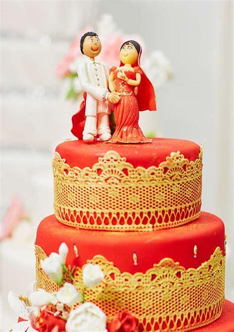 14 Lip Smacking Ideas For Wedding Cake Designs
