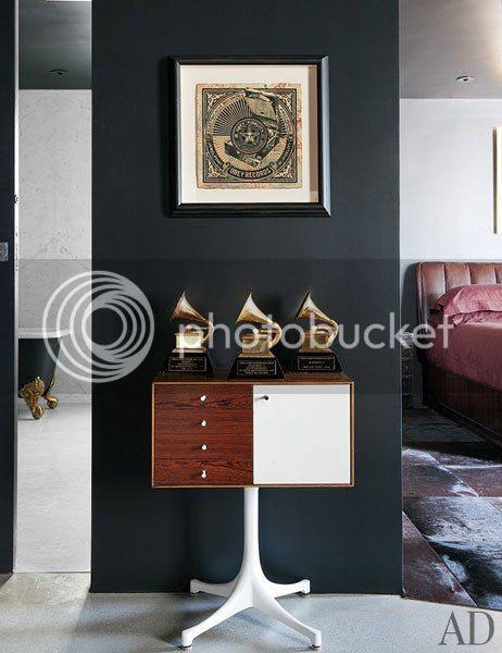 photo item9renditionslideshowWideVerticaladam-levine-hollywood-hills-home-10-hall_zps625876d4.jpg