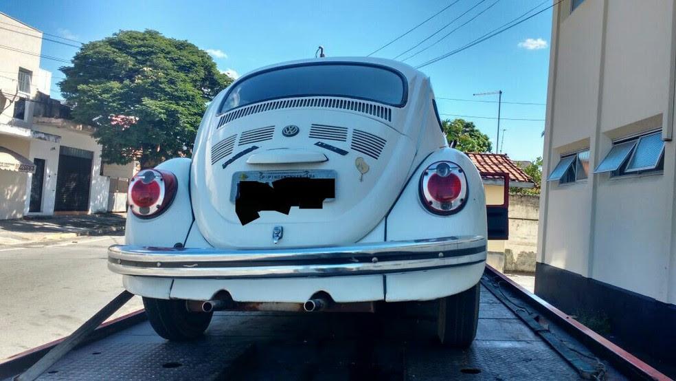 Veículo em que os homens tentaram fugir da polícia (Foto: Divulgação/Polícia Militar)