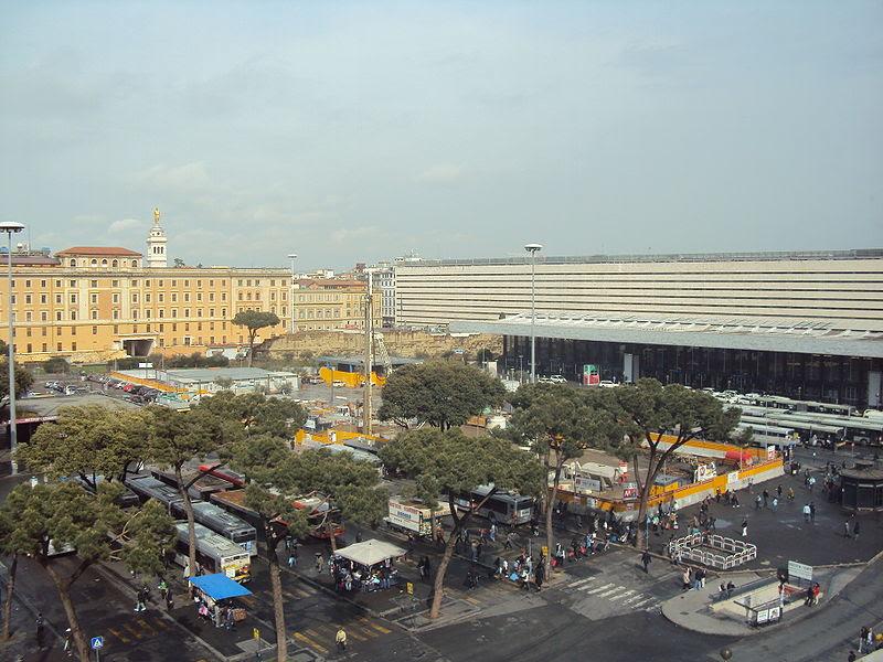 File:Piazzadeicinquecento.jpg